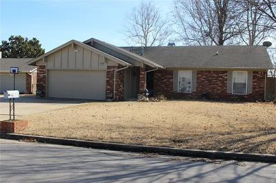 Broken Arrow Single Family Home For Sale: 417 S Dogwood Avenue