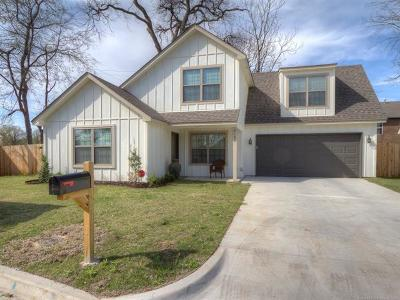Tulsa Single Family Home For Sale: 2103 E 63 Street S