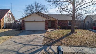 Owasso Single Family Home For Sale: 8417 N 121st East Avenue