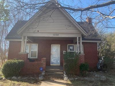 Tulsa Single Family Home For Sale: 1104 N Gary Place