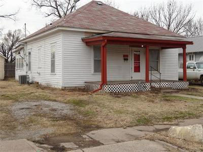 Bartlesville Single Family Home For Sale: 107 NW Cheyenne Avenue