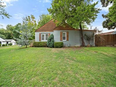 Tulsa Single Family Home For Sale: 2647 E 15th Place
