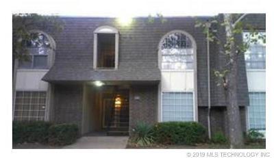 Condo/Townhouse For Sale: 6840 S Toledo Avenue #439