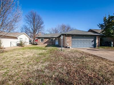 Tulsa County Single Family Home For Sale: 4855 S 85th East Avenue