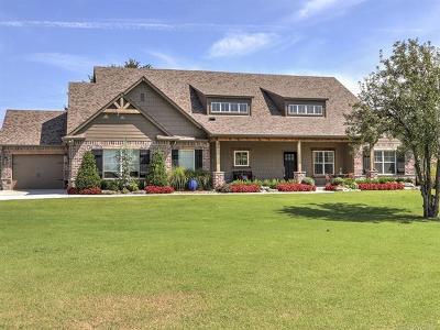 Single Family Home For Sale: 2613 E 161st Street S