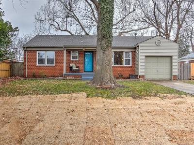 Tulsa Single Family Home For Sale: 4912 S Newport Avenue