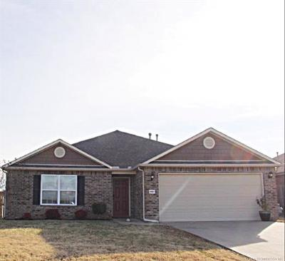 Broken Arrow Single Family Home For Sale: 4607 S Ash Drive