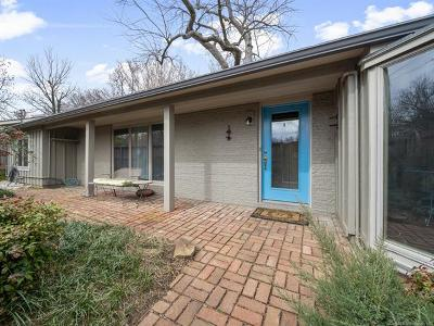 Tulsa Single Family Home For Sale: 1425 E 32nd Place