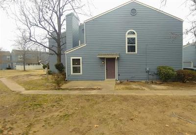 Broken Arrow Condo/Townhouse For Sale: 2317 W Quantico Street S