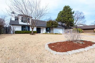 Tulsa Single Family Home For Sale: 7632 S Winston Avenue