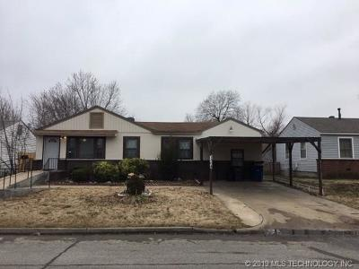 Tulsa Single Family Home For Sale: 7364 E Newton Street E