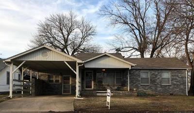 Bristow Single Family Home For Sale: 317 W 2nd Avenue