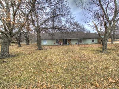 Claremore Single Family Home For Sale: 9865 E Northglen Avenue