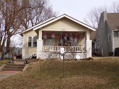 Tulsa Single Family Home For Sale: 1311 S St Louis Avenue