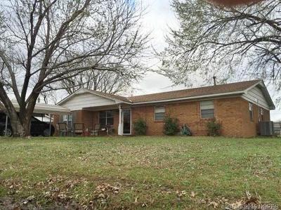 Single Family Home For Sale: 4016 Debi Street
