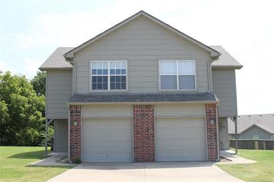 Catoosa Multi Family Home For Sale: 931 Hamilton Falls Street