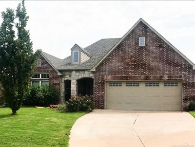 Sand Springs Single Family Home For Sale: 3505 S Walnut Creek Place