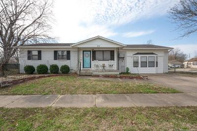Owasso Single Family Home For Sale: 204 W 4th Street North