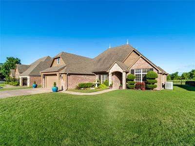 Claremore Single Family Home For Sale: 25567 Blackberry Boulevard
