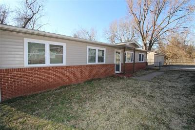 Coweta Single Family Home For Sale: 614 S Old Main Street