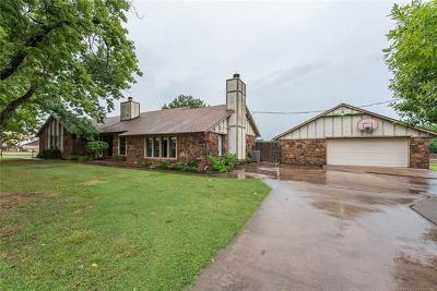 Broken Arrow Single Family Home For Sale: 12420 S Garnett Road