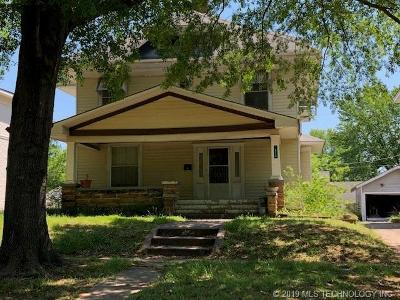 Okmulgee Single Family Home For Sale: 615 S Okmulgee Avenue