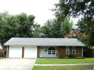 Muskogee Single Family Home For Sale: 509 Sherwood Lane