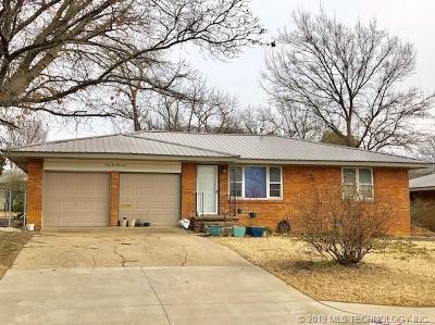Bartlesville Single Family Home For Sale: 4500 E Frank Phillips Boulevard
