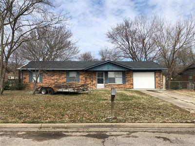 Okmulgee Single Family Home For Sale: 503 Creek Drive