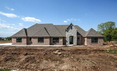 Owasso Single Family Home For Sale: 19551 E Slate Drive
