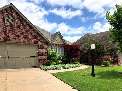 Owasso Single Family Home For Sale: 9805 E 90th Court North