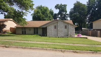 Broken Arrow Single Family Home For Sale: 236 W Keywest Street