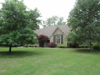 Owasso Single Family Home For Sale: 9818 N Cadbury Ridge Street