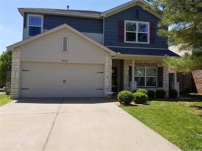 Jenks Single Family Home For Sale: 2002 W K Court