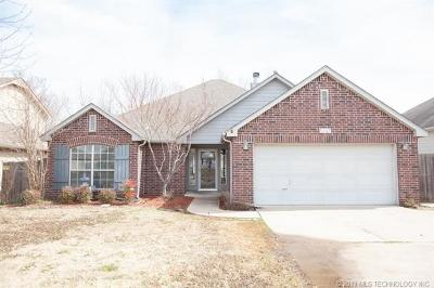 Sand Springs Single Family Home For Sale: 5137 Redbud Drive