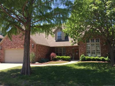 Broken Arrow Single Family Home For Sale: 1908 S Dogwood Place