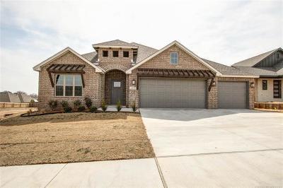 Broken Arrow, Jenks, Tulsa Single Family Home For Sale: 2419 W Little Rock Court