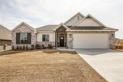 Broken Arrow Single Family Home For Sale: 2411 Kingsport Court