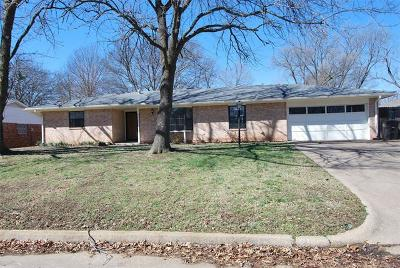 Bartlesville Single Family Home For Sale: 1401 Harris Drive