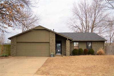 Broken Arrow Single Family Home For Sale: 1703 S Aster Court