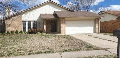 Broken Arrow Single Family Home For Sale: 4601 S Maple Avenue