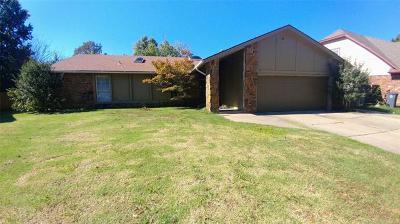 Broken Arrow, Jenks, Tulsa Single Family Home For Sale: 8330 S 75th East Avenue