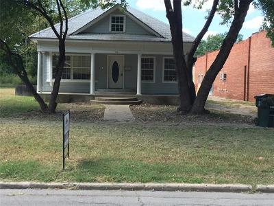 Okmulgee Single Family Home For Sale: 918 N Alabama Avenue E