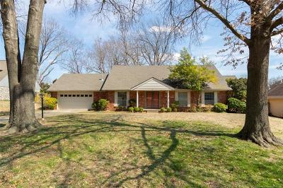 Tulsa Single Family Home For Sale: 6923 S Knoxville Avenue