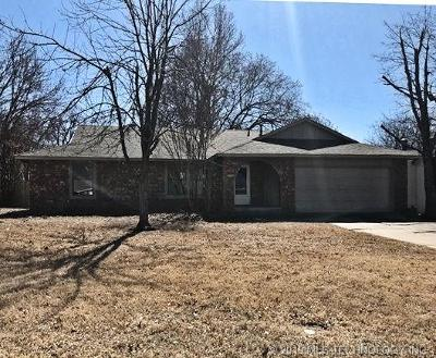 Broken Arrow Single Family Home For Sale: 709 Briarwood Court