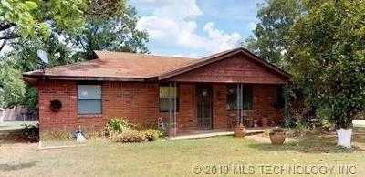 Single Family Home For Sale: 21922 County Road 3640