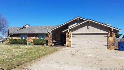 Tulsa Single Family Home For Sale: 2211 N 23rd West Avenue