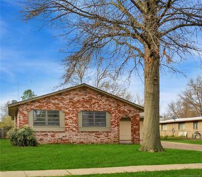 Tulsa Single Family Home For Sale: 11010 E 18th Street