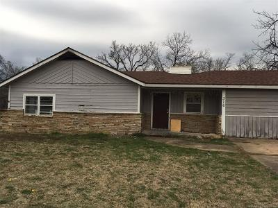 Oilton Single Family Home For Sale: 316 W Main Street