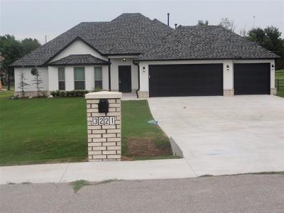 Tulsa Single Family Home For Sale: 3221 N Birmingham Avenue